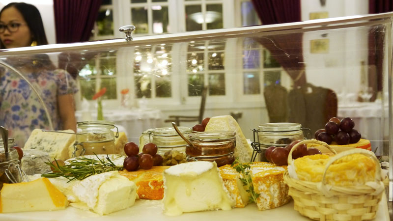 LaVilla Cheese Trolley