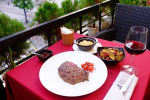 B3 Steakhouse & Craft Beer