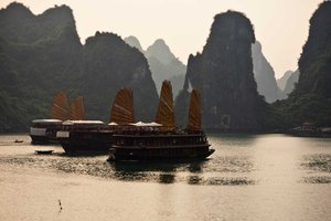 Discover Vietnam: Halong Bay