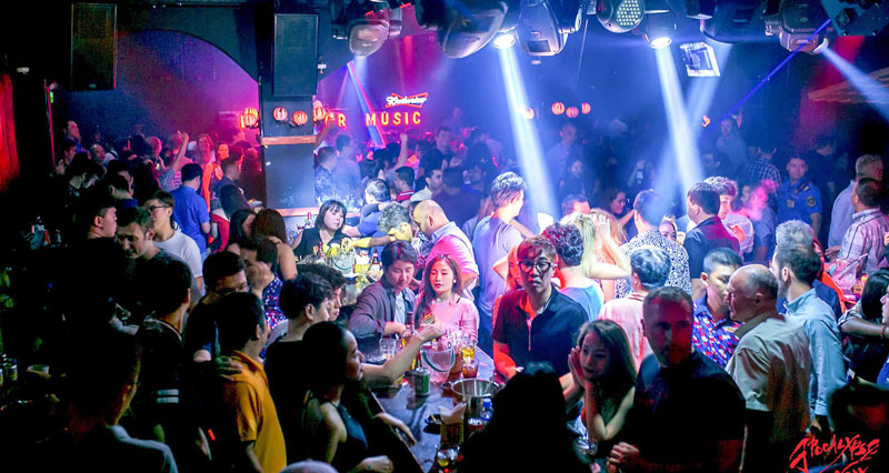 evolution nightlife in saigon