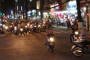 3 Step Guide to Saigon's Fashion Street