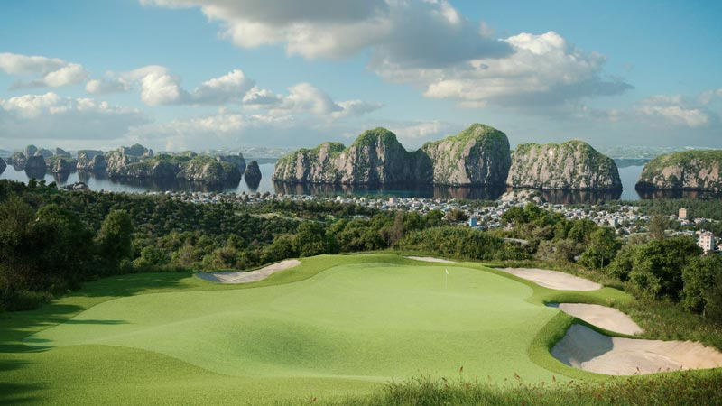 play golf in halong
